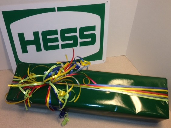 Hess Gift Wrapping 2
