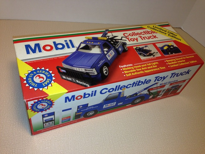 1995 Mobil Collectible Toy Tow Truck (1)